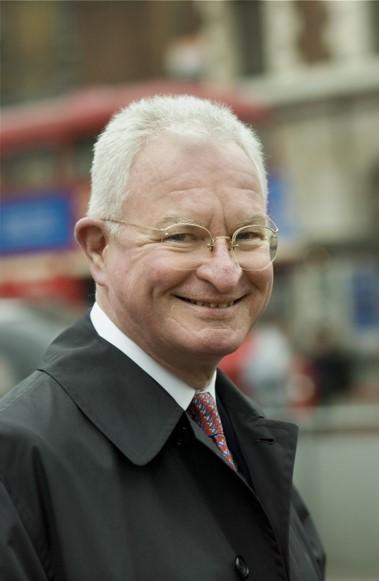 Dr. Helmut Sohmen